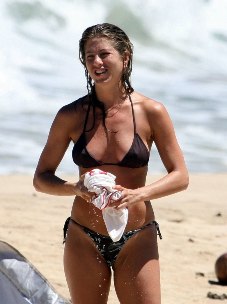Jennifer Aniston Bikini Bodies